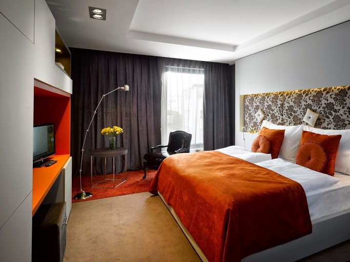 Hotel unic a contemporary hotel for Modern hotel prague